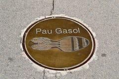 След ноги Pau Gasol близко Olympic Stadium в Montjuic, Барселоне Стоковая Фотография