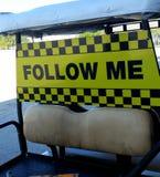 Следовать мной знак Стоковая Фотография RF