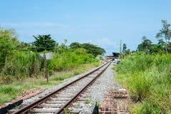 след поля глубины железнодорожный отмелый Стоковые Фотографии RF
