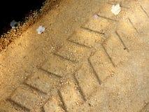 Следы гусеницы экскаватора стоковое фото rf