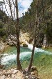 След Borosa реки идя в горах Сьерры Cazorla Стоковая Фотография