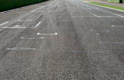 След Motorsport прямой и стартовое положение Стоковые Фотографии RF