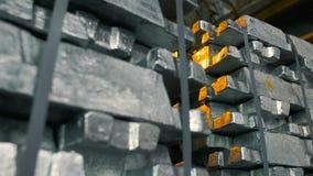 Слитки металла в складе запаса акции видеоматериалы