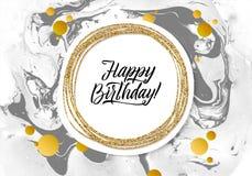 С днем рождения черная мраморная карточка текстуры Шаблон знамени Shimmer золотой на белой предпосылке Золото иллюстрации вектора Стоковые Фотографии RF