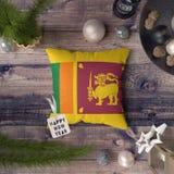 С Новым Годом! бирка с флагом Шри-Ланка на подушке r стоковые изображения