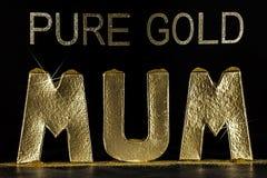 Слово мамы червонного золота Драгоценный и золотой Стоковое Изображение RF