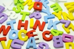 Слово думает использующ блок алфавита Стоковая Фотография