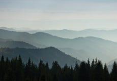 Слои горы и помоха в долинах Стоковые Фотографии RF