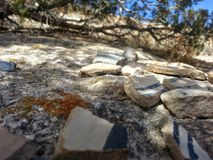 Сломленная гончарня Tsankawe Неш-Мексико Стоковое Изображение RF