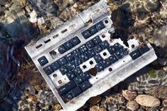 Сломленная и старая клавиатура Стоковые Фото