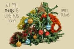 Сломленная рождественская елка и отправляет СМС все вам рождественская елка Стоковое Изображение