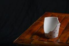 Сломленная чашка чая Стоковые Фото