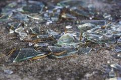 сломленное стеклянное окно стоковое изображение rf