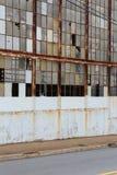 Сломленные окна фабрики стоковые фотографии rf