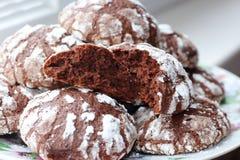 Сломленные домодельные печенья шоколада Стоковые Изображения RF
