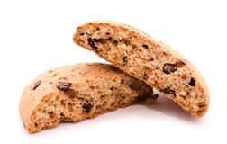 Сломленные печенья овсяной каши с падениями шоколада на белизне Стоковые Изображения