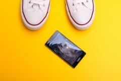 сломленный мобильный телефон Стоковые Изображения RF