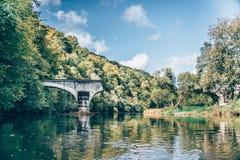 Сломленный мост в природе стоковая фотография rf