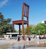 Сломленный стул Стоковая Фотография