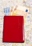 A с пасспортом денег на карте Стоковое Изображение