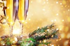 С Рождеством Христовым и с новым годом Предпосылка ` s Нового Года с украшениями Нового Года Карточка ` s Нового Года стоковая фотография rf