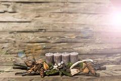 С Рождеством Христовым пришествие украшения горя серую свечу запачкало ба Стоковое Изображение RF