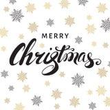 С Рождеством Христовым каллиграфия на белой предпосылке с золотым s Стоковое Изображение
