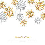 С Рождеством Христовым предпосылка с снежинками золота и серебра иллюстрация штока