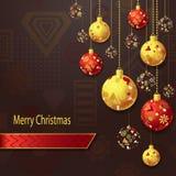 С Рождеством Христовым предпосылка с шариками рождества в красном цвете золота бесплатная иллюстрация