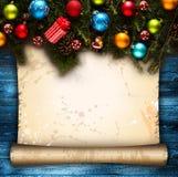С Рождеством Христовым рамка с реальной деревянной зеленой сосной, красочными безделушками, boxe подарка и другим сезонным вещест Стоковая Фотография RF