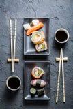 Служат суши для 2, который Стоковые Изображения