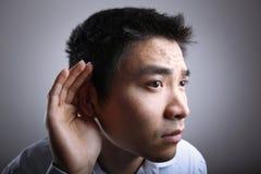 слушая человек стоковые изображения rf