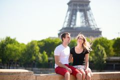 Сouple in Paris near the Eiffel tower Royalty Free Stock Images