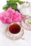 Сup av tea och ro royaltyfri bild