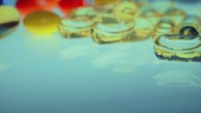 Таблетка и пилюльки, Medicament цветастые пилюльки сток-видео