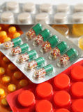 таблетки микстуры стоковая фотография rf