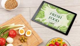 таблица еды свежая стоковая фотография