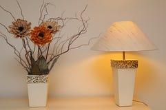 таблица завода декоративной лампы Стоковые Фотографии RF