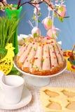 таблица кольца пасхи торта Стоковое Изображение