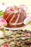 таблица кольца пасхи торта Стоковые Изображения