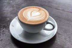 таблица кофейной чашки деревянная Стоковое Фото
