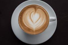 таблица кофейной чашки деревянная Стоковое Изображение RF