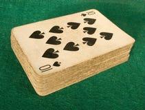 таблица покера зеленого цвета пакета перфокарт baize старая Стоковые Изображения RF