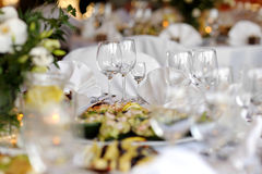 таблица праздничной партии обеда установленная Стоковое Изображение RF