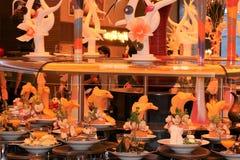 Таблица ресторана гостиницы вполне вкусной еды Ресторан роскошной гостиницы стоковые фото