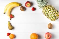 таблица свежих фруктов Стоковая Фотография