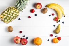 таблица свежих фруктов Стоковые Изображения