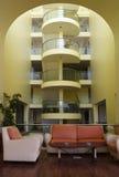 таблица софы гостиницы залы кофе Стоковое Фото