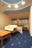 таблица софы кровати Стоковая Фотография