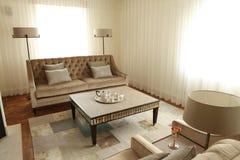 таблица соф комнаты салона светильников кофе домашняя Стоковое Фото